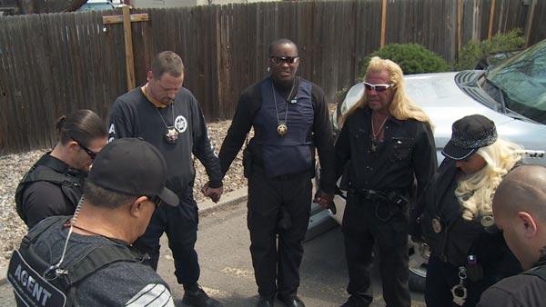 Bounty Hunters Pray With Dog